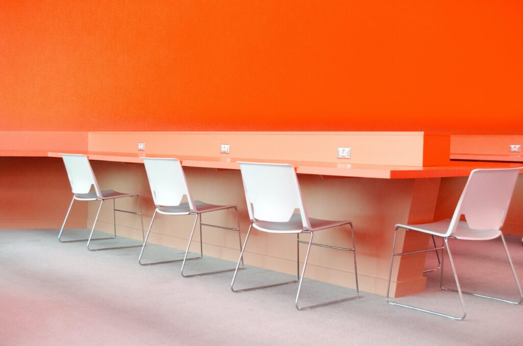 pacific-office-interiors-H0rH1ooIsYk-unsplash